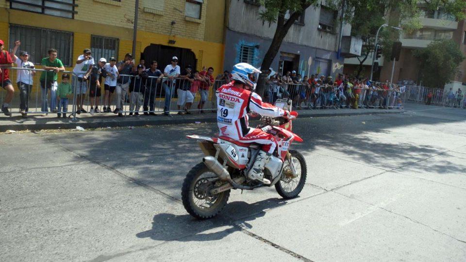 Mávací průjezd ulicemi Santiaga