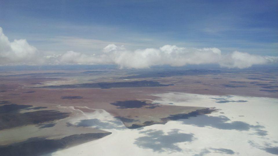 Bolivijské solné pláně ze vzduchu