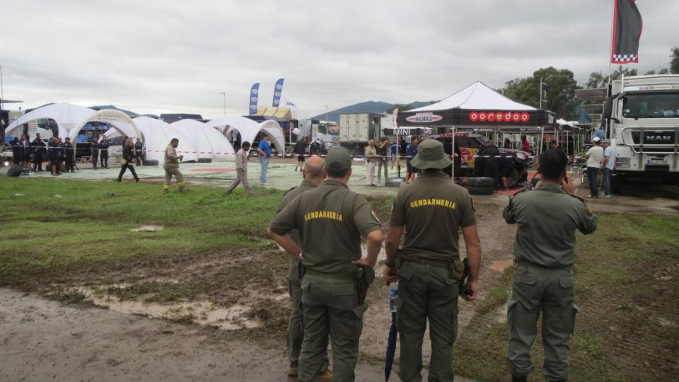 Argentinská policie nadšená Dakarem