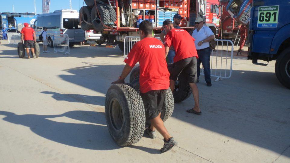 Cesta za opravou pneumatik